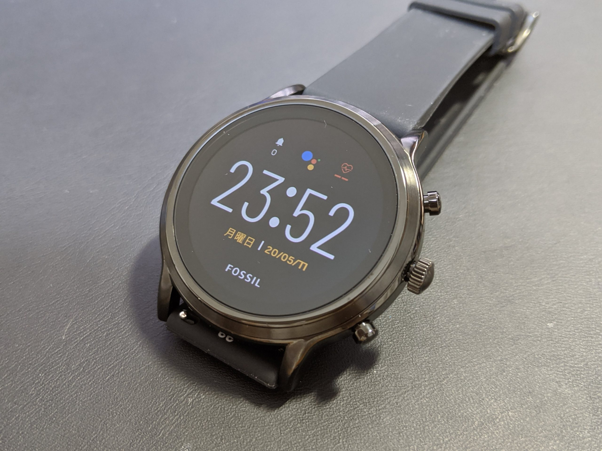 「Fossil Gen5 THE CARLYLE HR」レビュー!「Fossil Sport」との比較も。